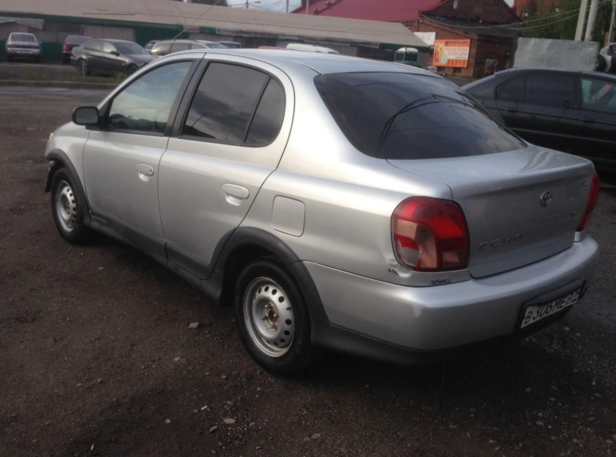 Toyota Echo 2000 г