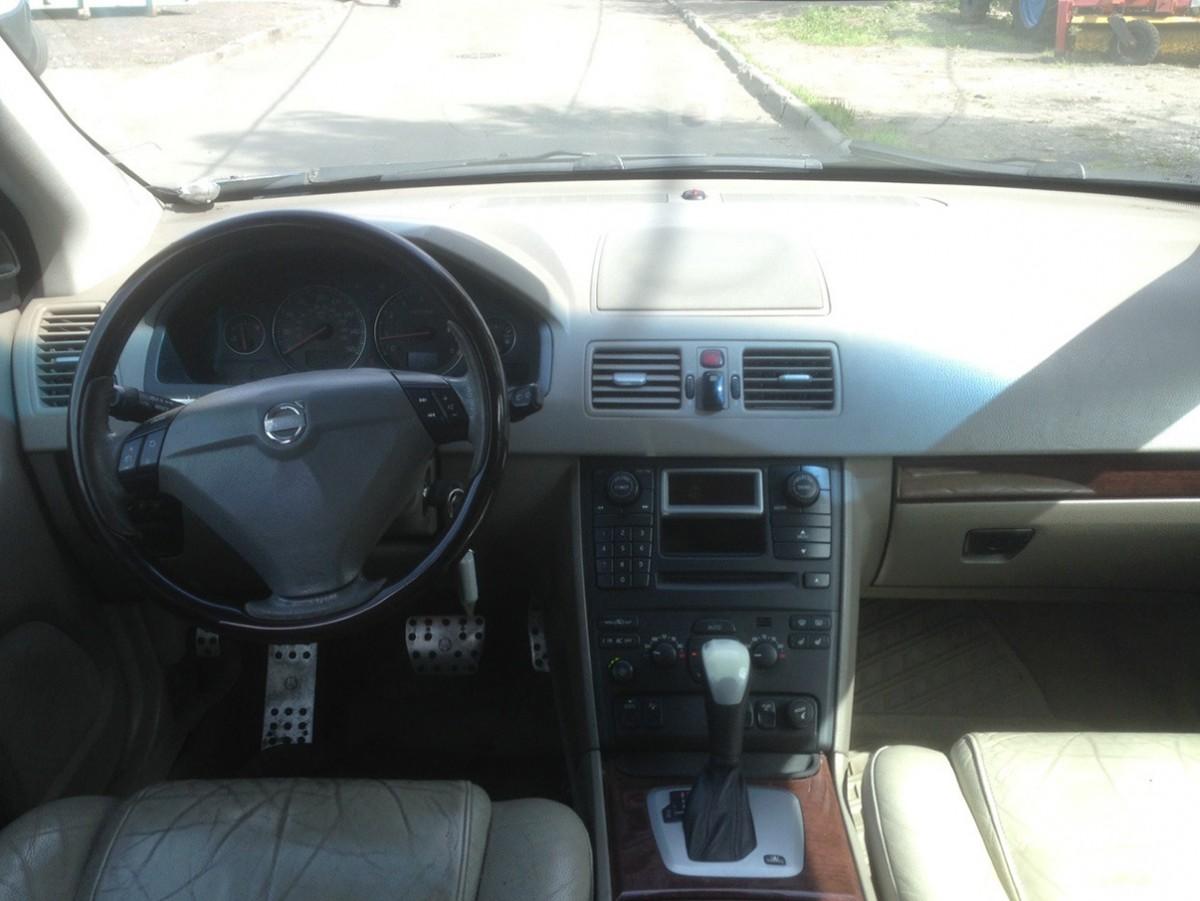 Volvo XC90, 2002