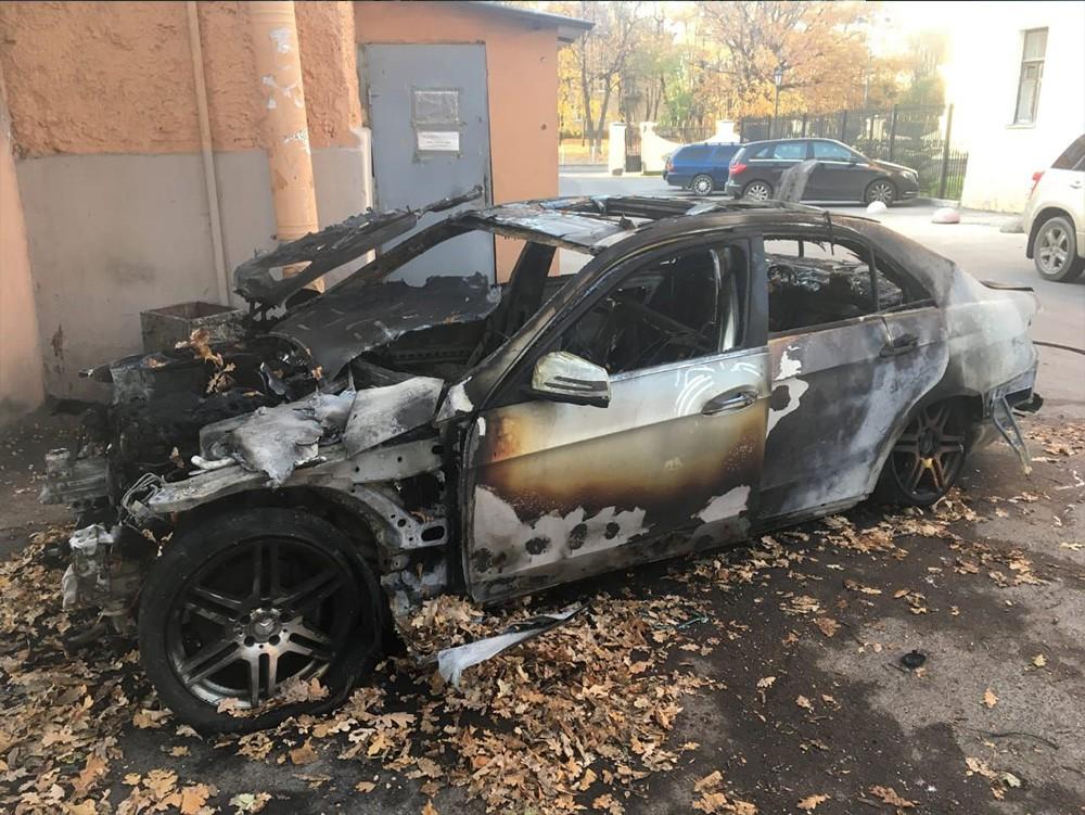 Выкупленное сгоревшее авто - Mercedes-Benz E200